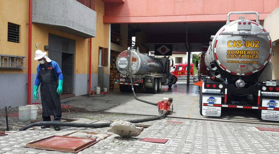 Fumigación, limpieza de tanques en Instituciones Públicas