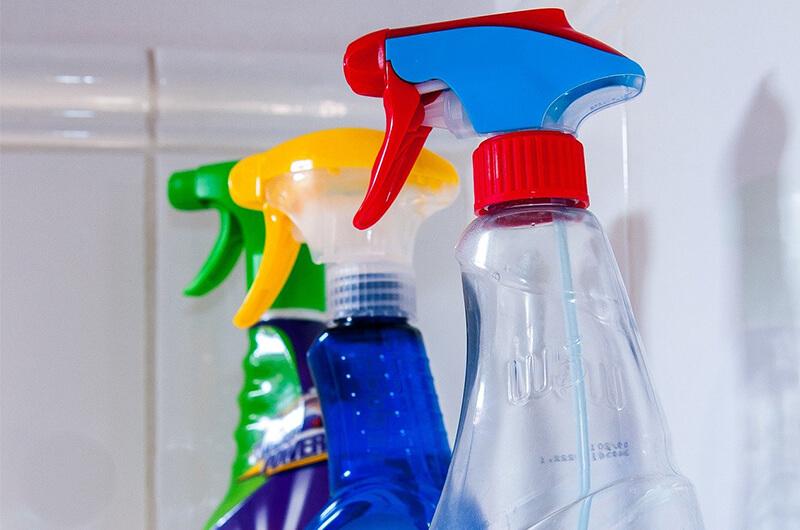 Cómo realizar labores de limpieza con productos que no afecten el medio ambiente